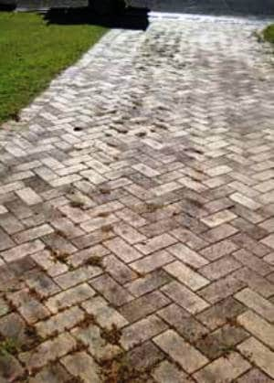 pressure cleaning pavers 1